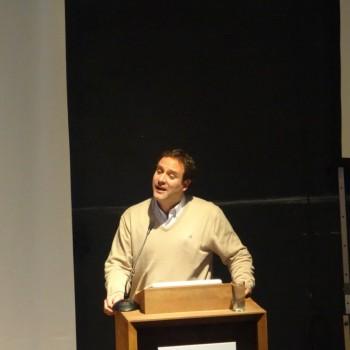 Diego Urrejola, Director Ejecutivo Fundación Mar Adentro, presentando la Exposición de Fotos de reservas de la red Así Conserva Chile
