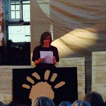 La Directora de Puerto de Ideas, Chantal Signorio, inaugurando el Festival