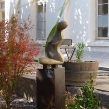 Escultura instalada en el Jardín Terraza Los Naranjos