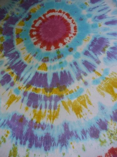 Telas teñidas con varios colores
