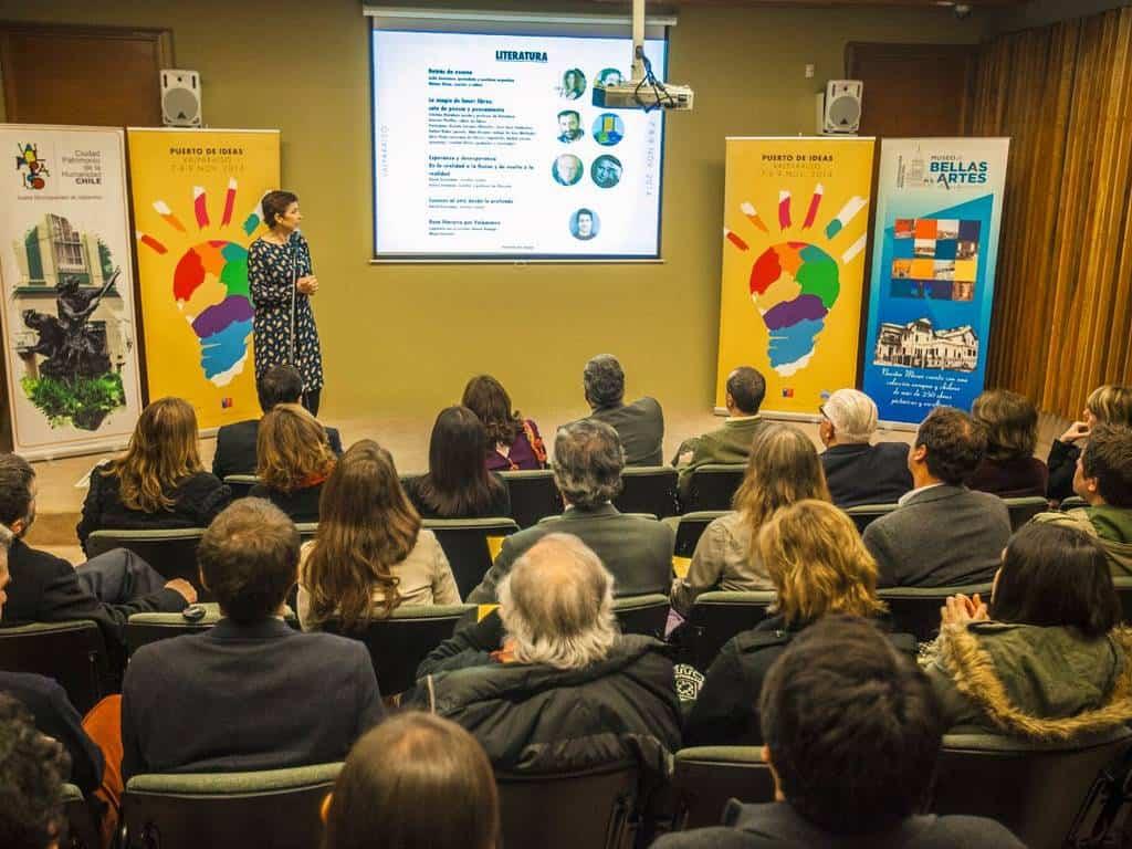 Conferencia en el Palacio Baburizza lanzamiento programa Puerto de Ideas 2014