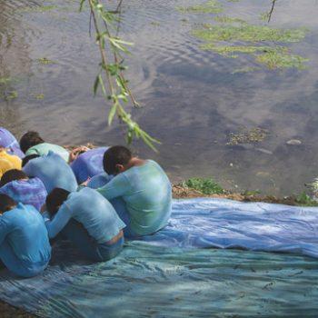 2º lugar Categoría A y Premio a mejor fotografía 2014 - Goterones de agua, salvando nuestro río - Escuela La Pradera de Curacaví
