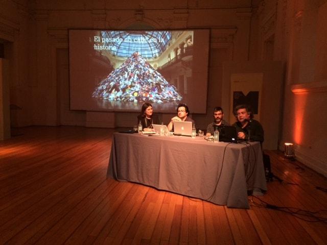 Conferencia: Sergio Rojas, filósofo junto a Pablo Aravena, historiador y Rodrigo Bruna, artista visual