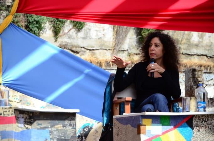 Leila Guerrero en su conferencia: Detrás de escena