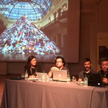 Mesa Redonda de Sergio Rojas, Pablo Aravena, Rodrigo Bruna en MNBA