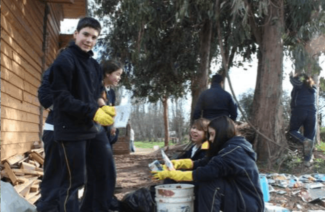 Students of the School helping with the construction