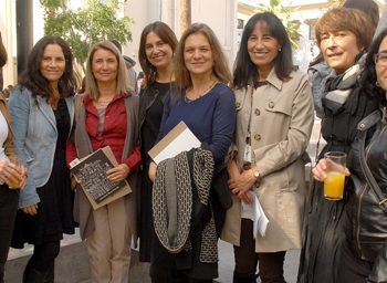 (English) Angélica Montes, project Landscaper, together with Valentina Justiniano, Pamela Hurtado, Madeline Hurtado and part of the UAH team