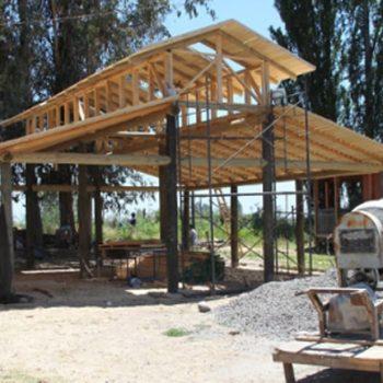 En el año 2013 se inició la construcción de los galpones