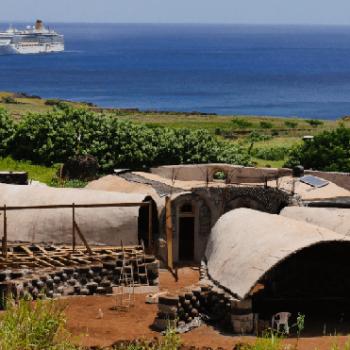 La Escuela de la Música y las Artes de Rapa Nui fue construida en comunidad y con sistemas de reciclaje