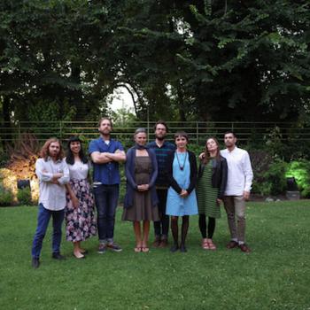 El grupo de todos los ilustradores reunidos al finalizar sus residencias