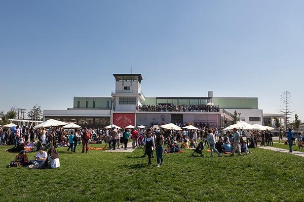 ¡Más de 3.500 personas asistieron a la inauguración de la exposición! ©Sebastián Mejía