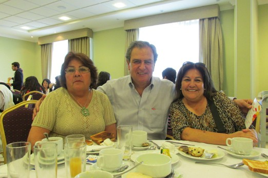 Juan Carlos Leppe (Fundación Mar Adentro) and two teachers awarded in Colorearte contest