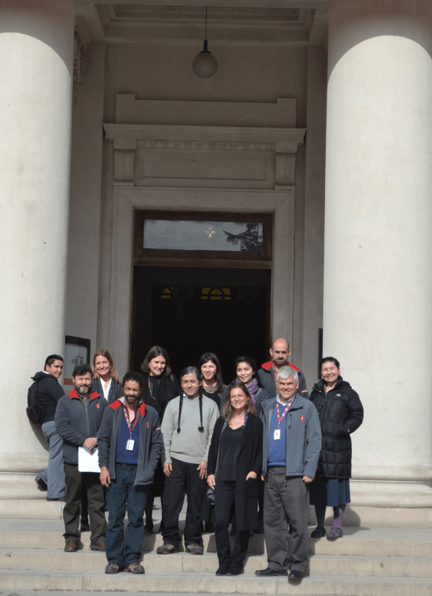 Group photo at the entrance of the MNHN