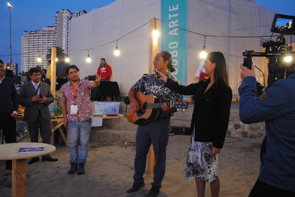 Our friends from the Toki NGO, Mahani Teave and Enrique Icka, taught us all a Rapa Nui song and dance