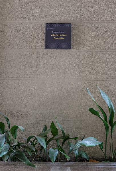 Plaque honoring of one our founders, Albert Hurtado ©Sebastián Mejía