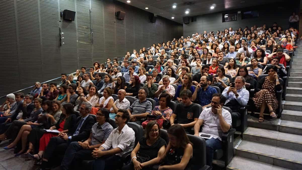Publico asistente a estreno en Cineteca Nacional
